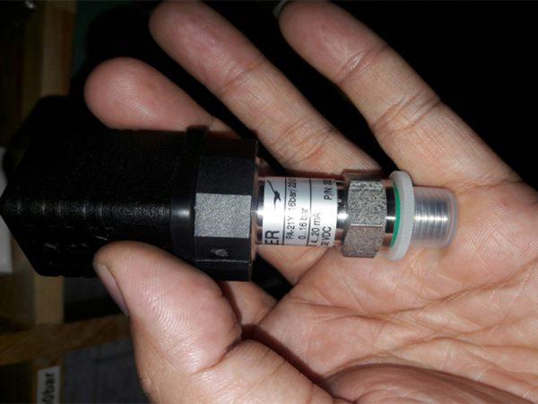 Cảm biến áp suất 16bar thông thường được dùng trong lò hơi, hoặc dùng đo áp suất nước